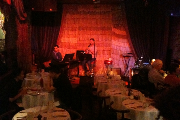 Live music and brunch at The Beehive in Boston. Photo courtesy of m anima.