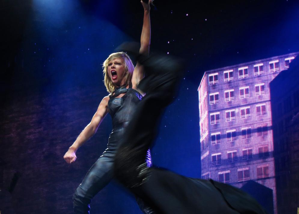 Taylor Swift Concert T... Taylor Swift Tour